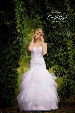 Czar-Bieli-suknia-model-10-2018