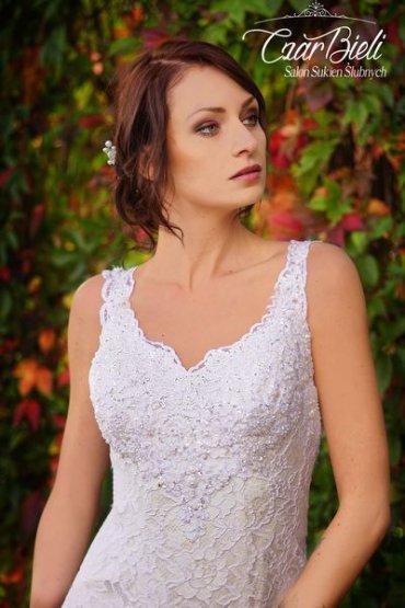 Czar-Bieli-suknia-model-13-2019
