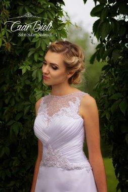 Czar-Bieli-suknia-model-4c-2018