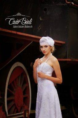 Czar-Bieli-suknia-model-7b-2018