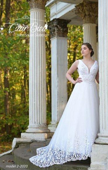 Czar-Bieli-suknia-model-2-2020